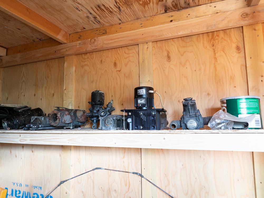 Miscellaneous parts; Vaccum pump, oil cooler thurmister Feather pump